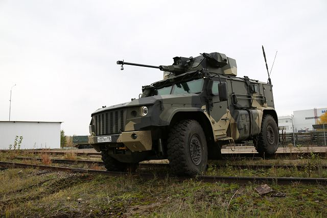 Typhoon MRAP family vechiles - Page 6 Russia_has_developed_new_4x4_armoured_vehicle_K4386_Typhoon_VDV_for_Russian_airborne_troops_640_001