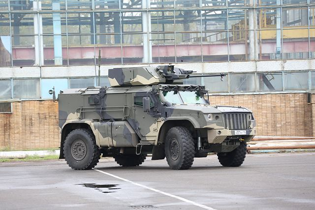 Typhoon MRAP family vechiles - Page 6 Russia_has_developed_new_4x4_armoured_vehicle_K4386_Typhoon_VDV_for_Russian_airborne_troops_640_002