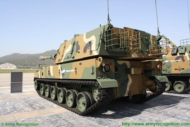 مصر قد تشتري مدافع K9 الذاتيه الحركه عيار 155 ملم من كوريا الجنوبيه  Techwin_from_South_Korea_could_sell_K9_155mm_self-propelled_howitzer_to_Egypt_640_002