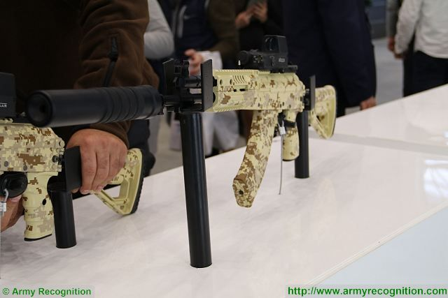 Russian Assault Rifles/Carbines/Machine Guns Thread: #2 New_assault_rifle_and_submachine%20_un_for_the_Russian_Ratnik_future_soldier_outfit_640_002