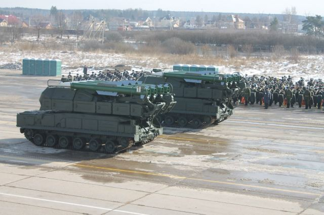 BUK SAM system Thread - Page 15 Russian_Eastern_Military_district_to_learn_how_to_use_Buk_M2_air_defense_missile_system_640_001