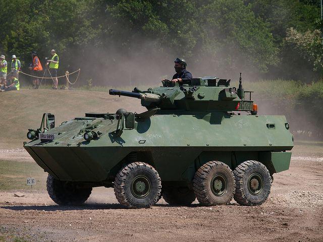 EJERCITO DE CANADA Piranha_1_Cougar_wheeled_armoured_combat_vehicle_Canada_Canadian_army_640_002