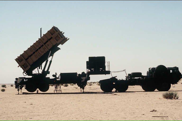 موضوع شامل عن الجيش الهولندي Mim_104_patriot_surface_to_air_missile_system_united_states_008