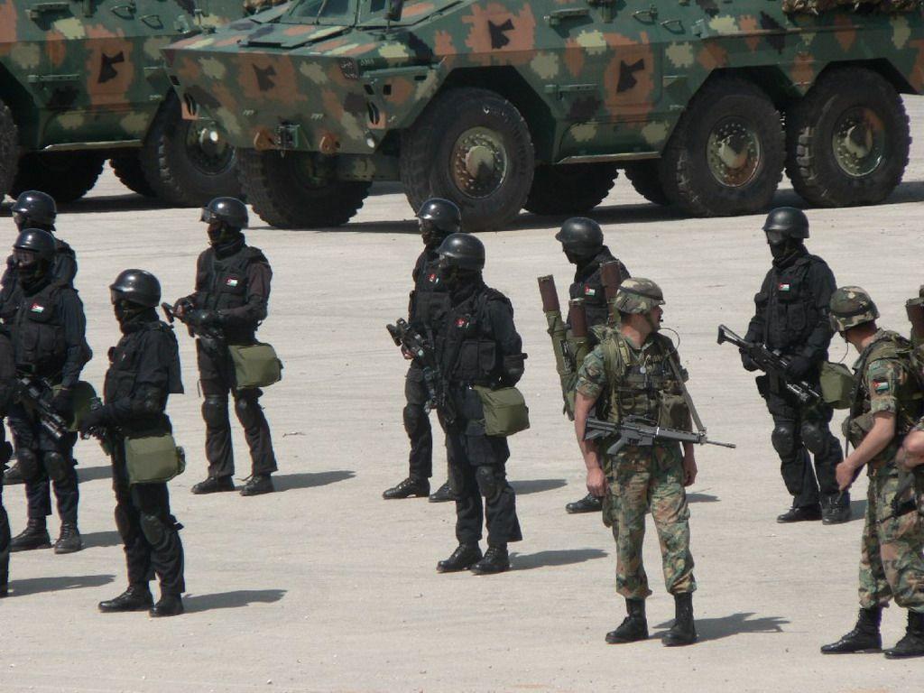 التموية لدي الجيوش Sofex_2006_Special_forces_operations_defence_exhibition_Jordanian_Special_Forces_soldiers