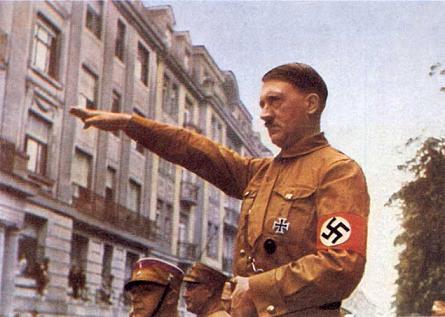 Internet n'est plus libre depuis ce soir - (Jeudi 19 Janvier 2012) Hitler2