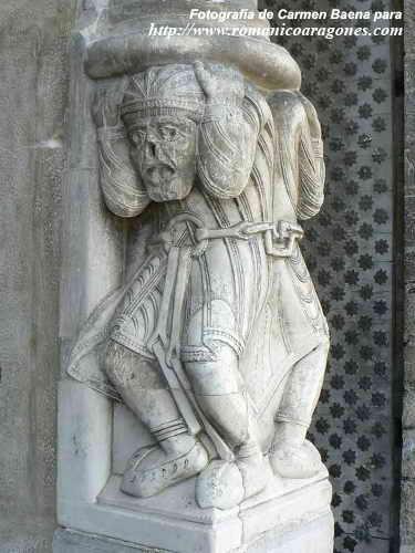 Arte y religión islámicos en el contexto románico. OloronCatedral%20G38