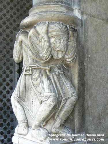 Arte y religión islámicos en el contexto románico. OloronCatedral%20G40