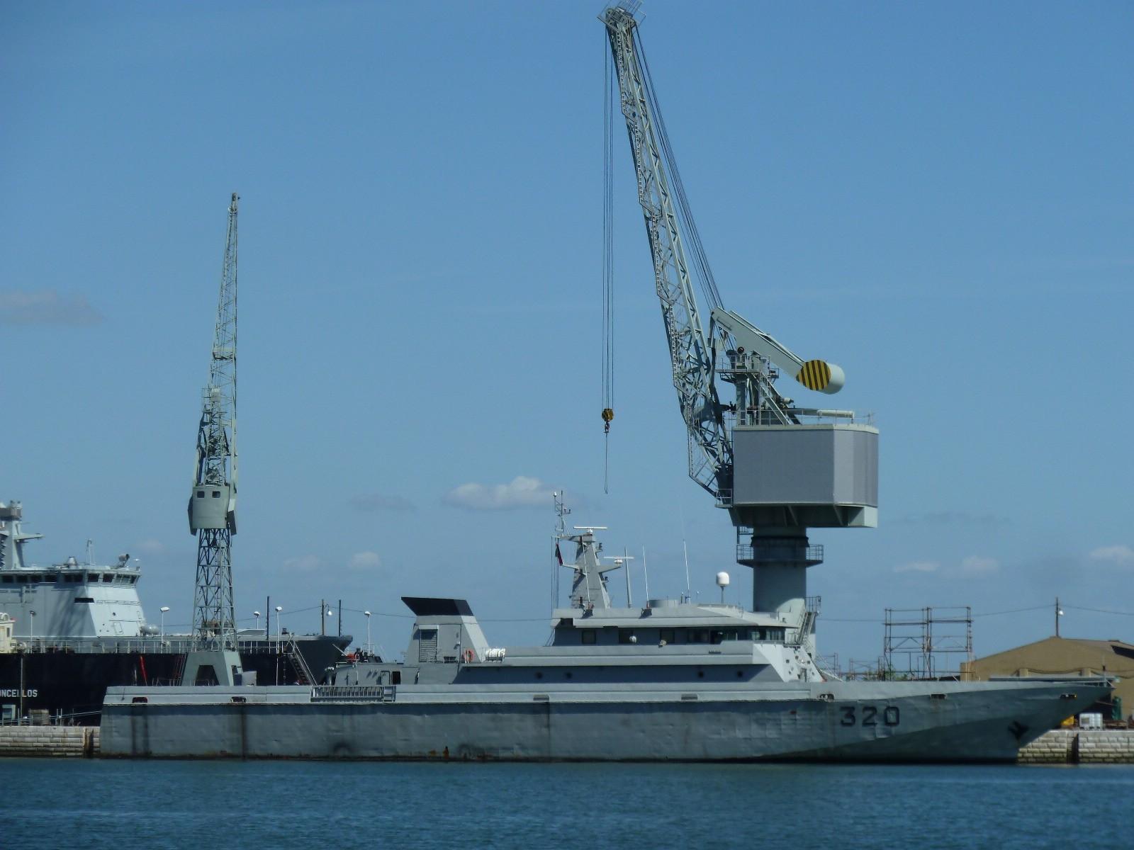 Réparation et Modernisation des navires de la MRM au Portugal - Page 2 Misc176