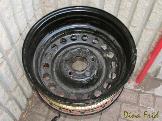 Мозаичные вазоны из колес 6