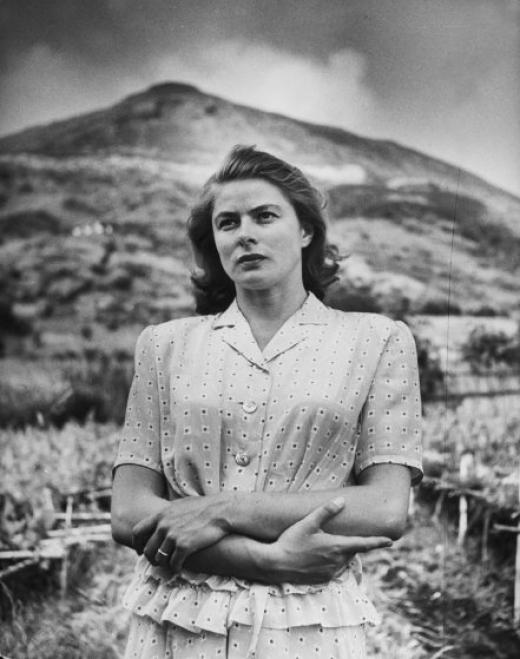 Ingrid Bergman  8cb2e31444e5ea0f42ed7c194668f193_M