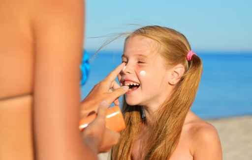 Etude : une application quotidienne de crème solaire ralentit le vieillissement de la peau Cr%C3%A8me%20solaire%20enfants