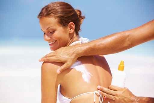 Etude : une application quotidienne de crème solaire ralentit le vieillissement de la peau Cr%C3%A8me%20solaire_peau