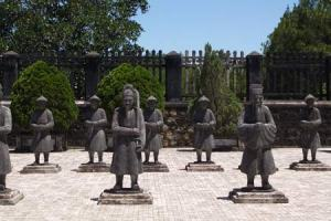 Cultural Discovery in Center 7 days-Vietnam Hue%20photos