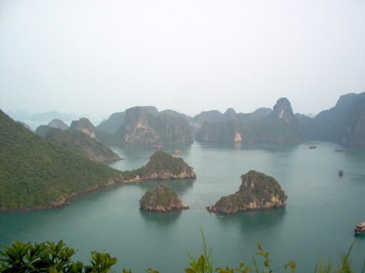 Beauty of the North vietnam 5 days 4 nights Halongbay%20in%20vietnam