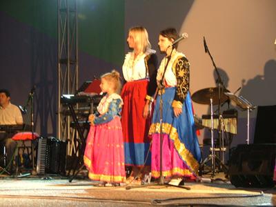 Albanian Women's Attire Anfiteatro1