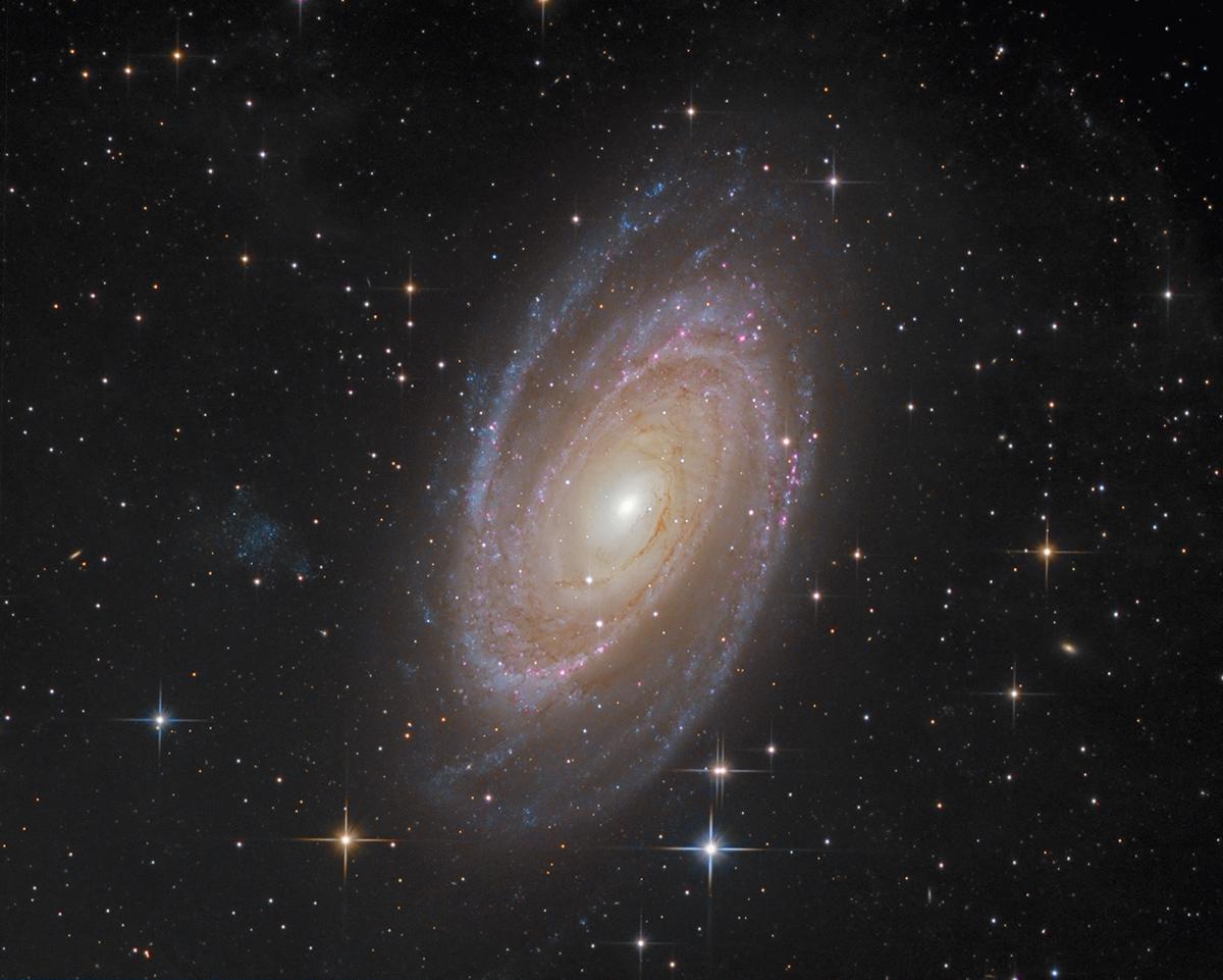 M81 71_1555900782m81lrhagb-ifn-1200