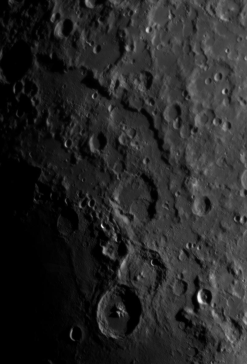 Le planétaire - Page 16 Lune-051012-mosa1r