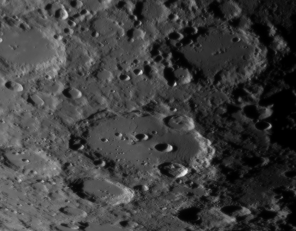 Le planétaire - Page 16 Lune-unc200mm-powermatex5-080912-3