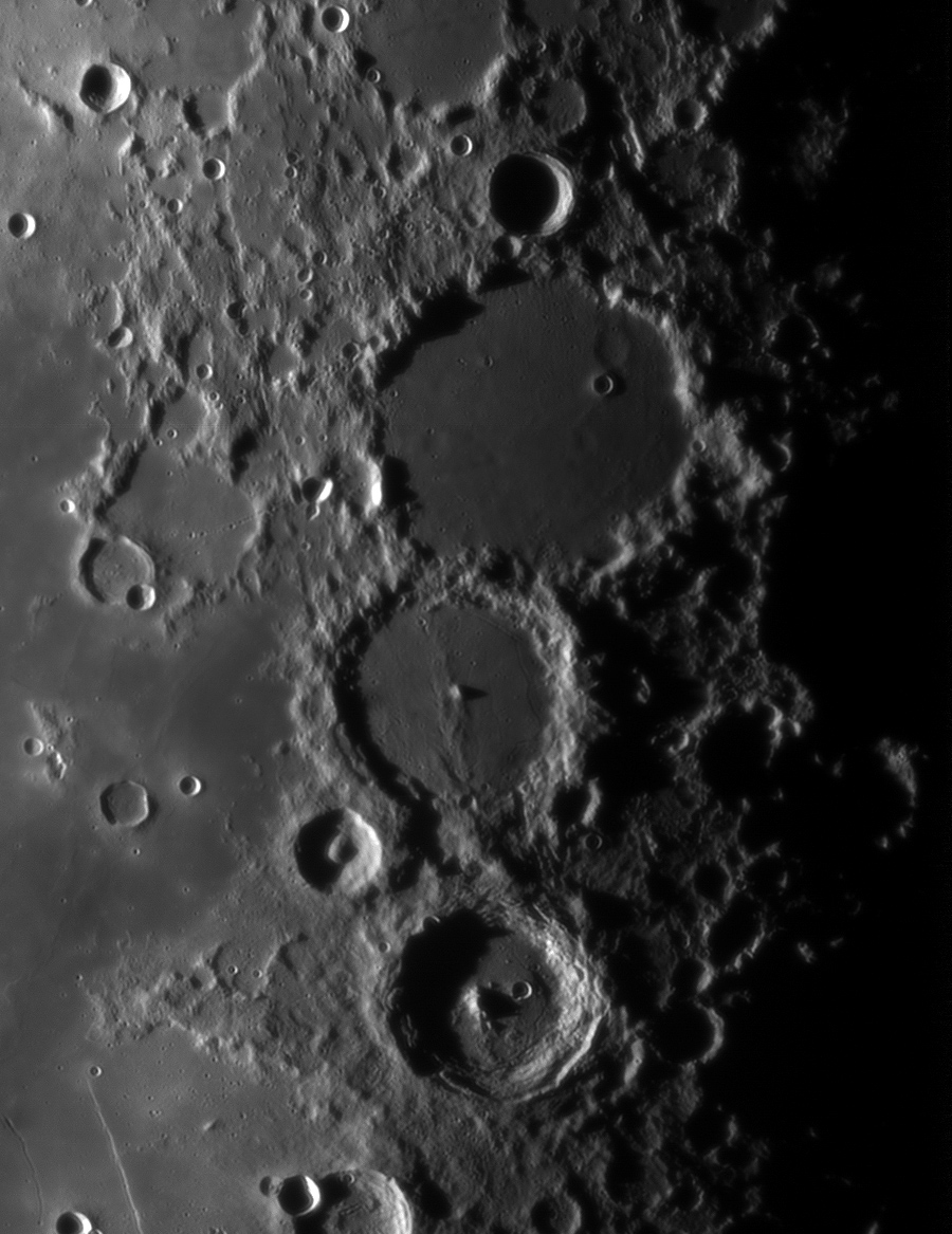 Le planétaire - Page 16 Lune-unc200mm-powermatex5-080912-mosa