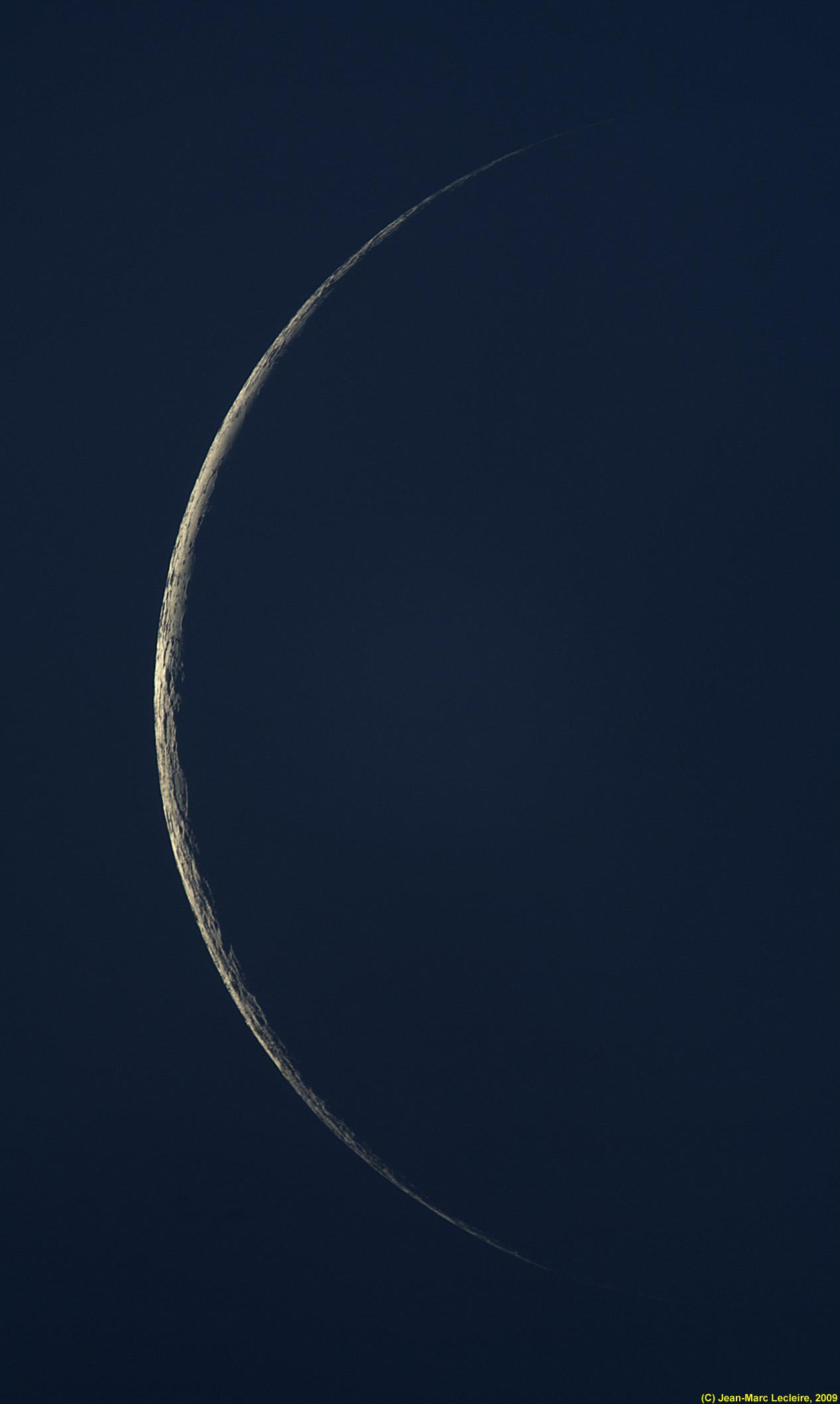 Mais où est Uccen ???  - Page 6 Croissant_lune_190809