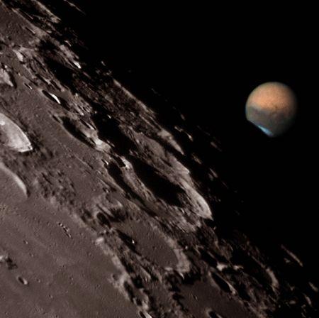 Photos diverses de la Lune (à compléter) Mars-1708703-dantowitz