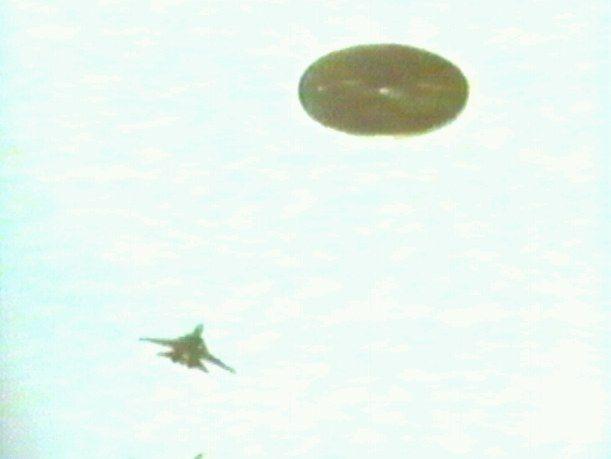 Amaury Rivera son histoire et ses photos Ufo-amaury-rivera-880514b-hoax