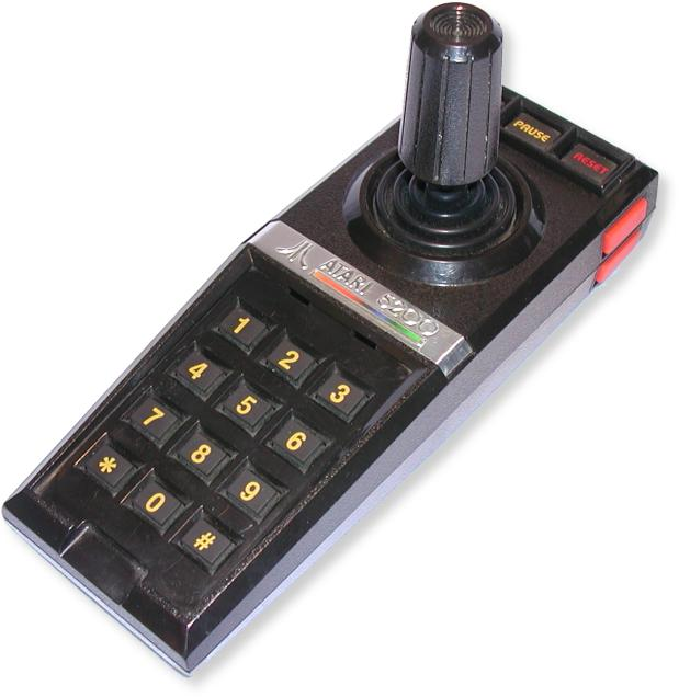 Histoire du jeux vidéo - Page 2 Con_Atari5200