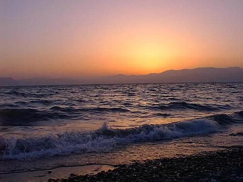 يروي ظمأ القلب الحزين  Sea_of_galilee