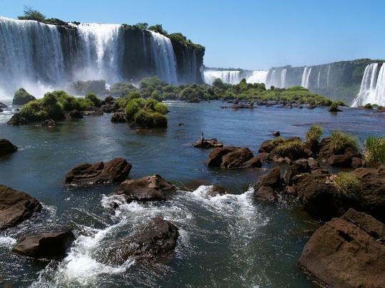 Shif me sy e plas me zemer Argentina-Le-Cascate-di-Iguazu