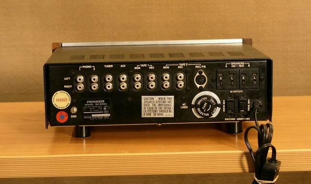 Inserire DAC all'interno di un Pioneer SA500a Dietro