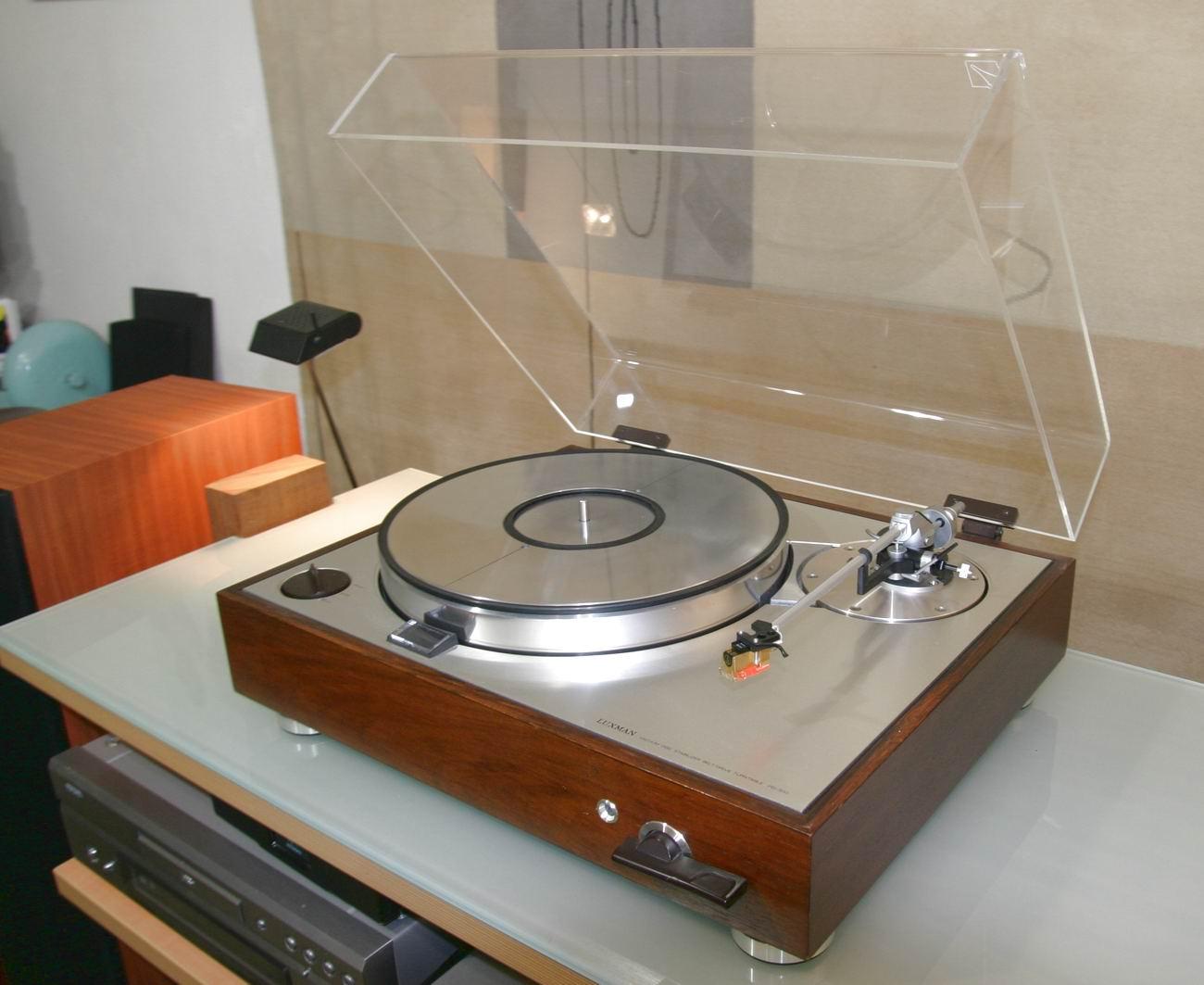 Furutech Monza LP Estabilizador - Record Clamp - Página 3 Luxman%20turntable