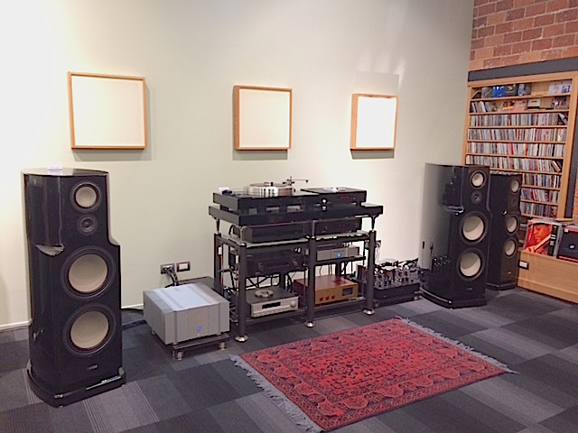 CANTON Reference series K1%20in%20showroom_0