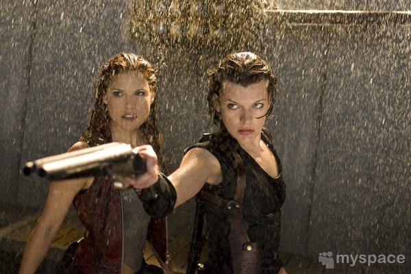 'Resident Evil: Afterlife' - Página 2 Revil4-2