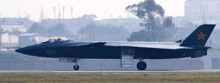 Foros de Internet publican supuestas fotos de segundo avión chino de quinta generación Chengdu-J-XX-VLO-Prototype-11S