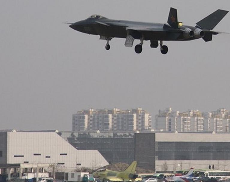 Foros de Internet publican supuestas fotos de segundo avión chino de quinta generación Chengdu-J-XX-VLO-Prototype-20S