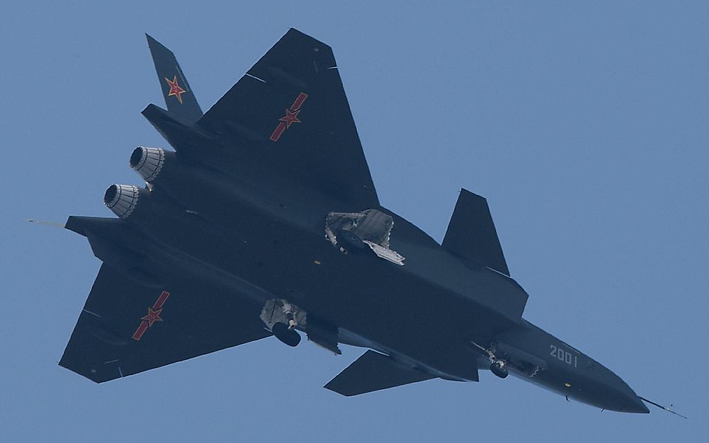 Foros de Internet publican supuestas fotos de segundo avión chino de quinta generación Chengdu-J-XX-VLO-Prototype-27S