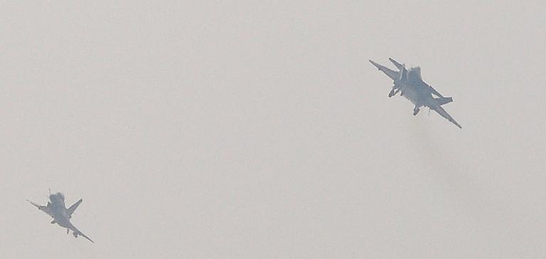 Foros de Internet publican supuestas fotos de segundo avión chino de quinta generación Chengdu-J-XX-VLO-Prototype-28S