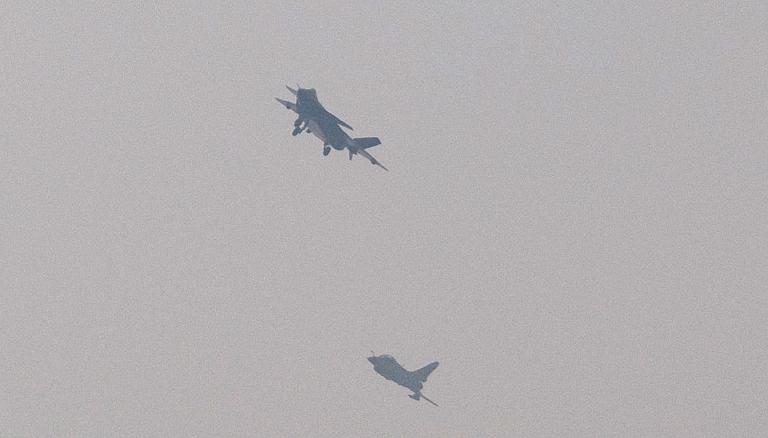 Foros de Internet publican supuestas fotos de segundo avión chino de quinta generación Chengdu-J-XX-VLO-Prototype-29S