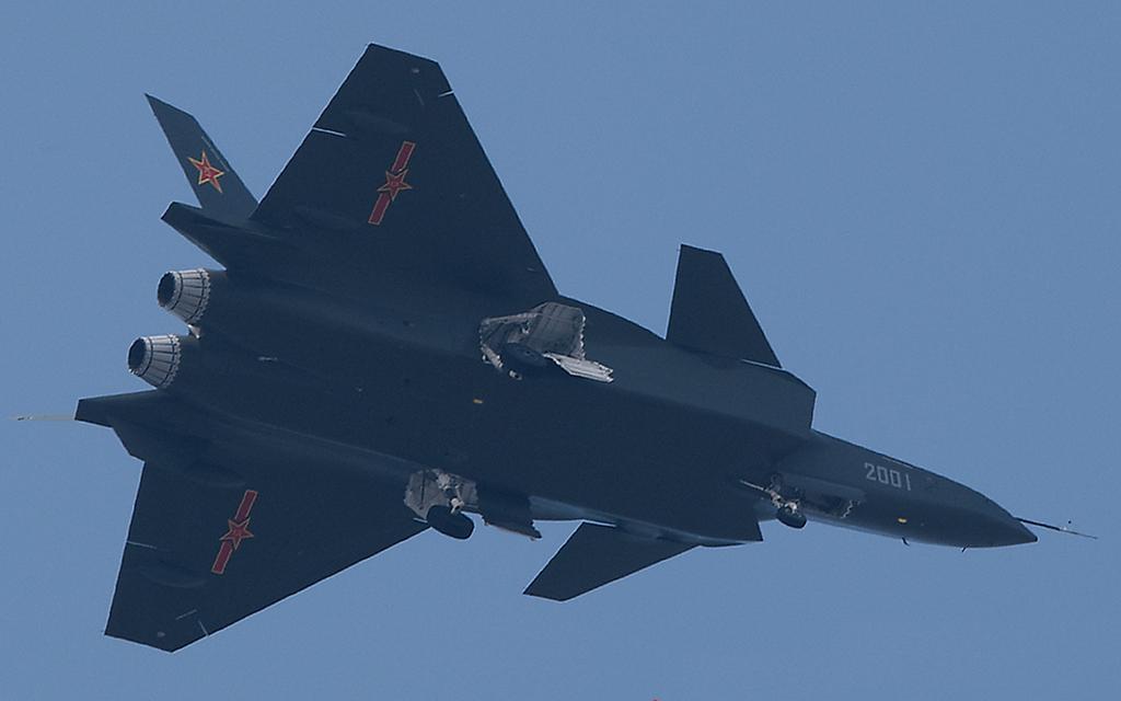 Foros de Internet publican supuestas fotos de segundo avión chino de quinta generación Chengdu-J-XX-VLO-Prototype-31S