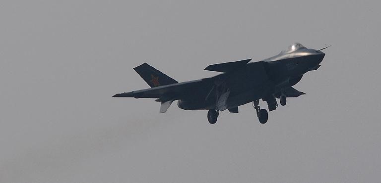 Foros de Internet publican supuestas fotos de segundo avión chino de quinta generación Chengdu-J-XX-VLO-Prototype-36S