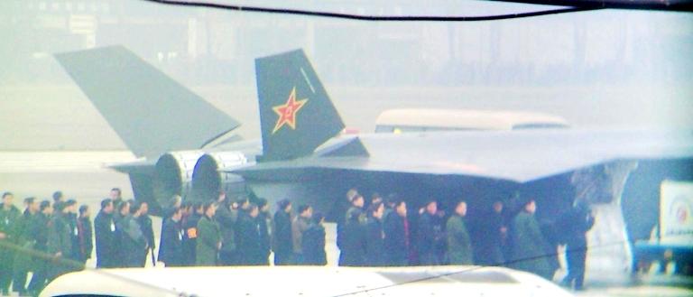 Foros de Internet publican supuestas fotos de segundo avión chino de quinta generación Chengdu-J-XX-VLO-Prototype-39S