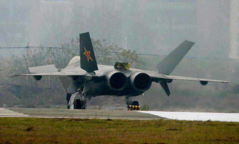 Foros de Internet publican supuestas fotos de segundo avión chino de quinta generación Chengdu-J-XX-VLO-Prototype-40S