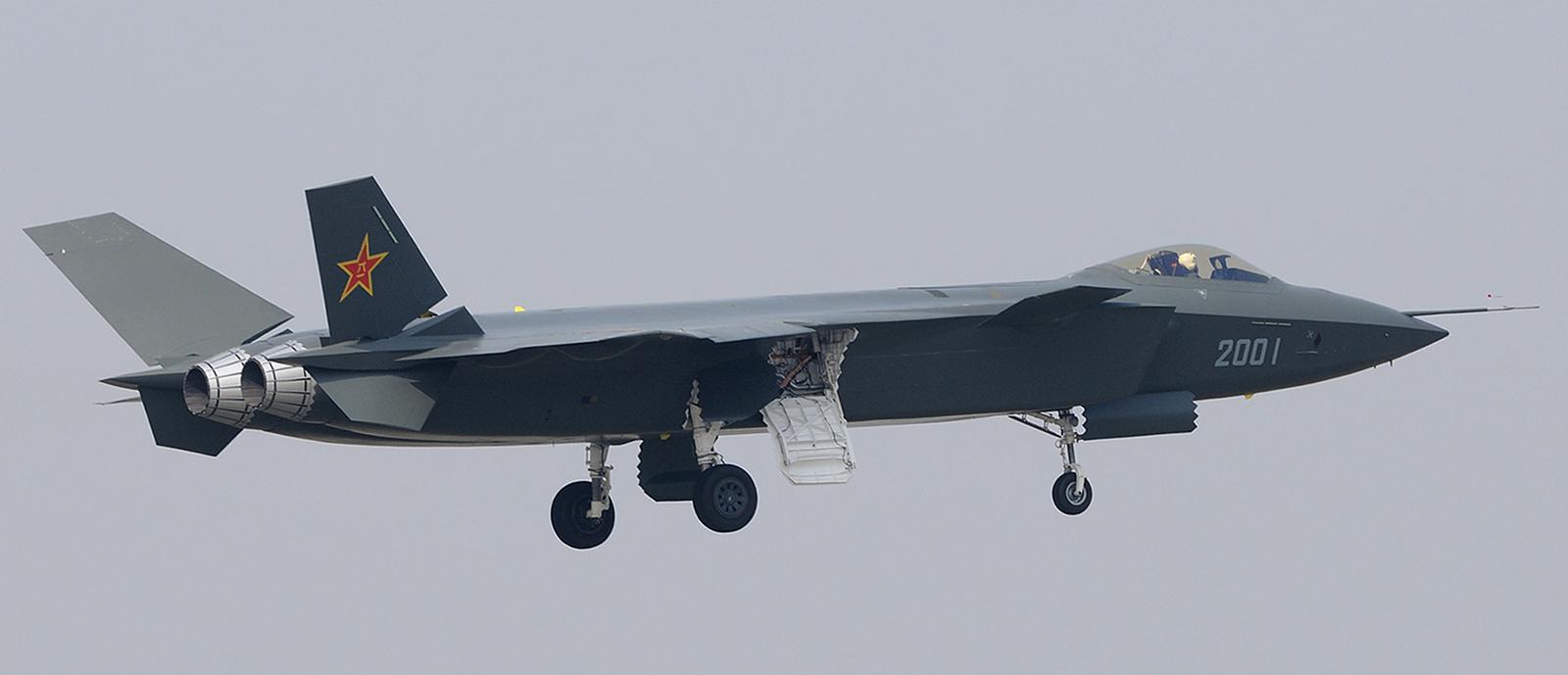 Foros de Internet publican supuestas fotos de segundo avión chino de quinta generación Chengdu-J-XX-VLO-Prototype-41S