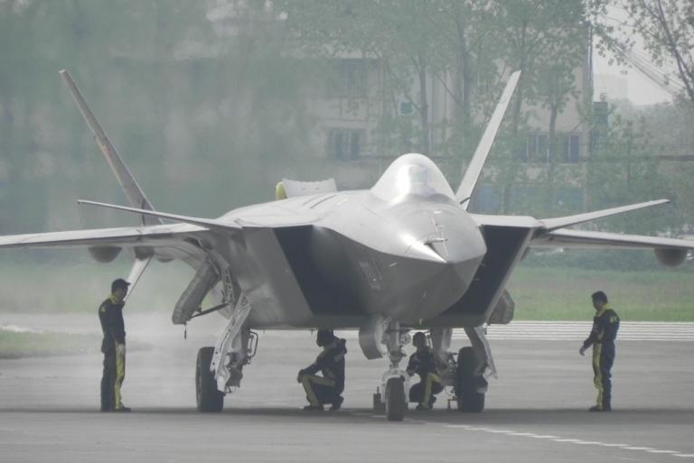 t50/pak fa  ليست شبحيه حتى الان بالتحليل والصور والمصادر  - صفحة 3 Chengdu-J-XX-VLO-Prototype-45S