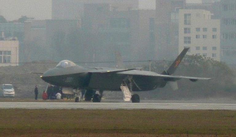 Foros de Internet publican supuestas fotos de segundo avión chino de quinta generación Chengdu-J-XX-VLO-Prototype-6S