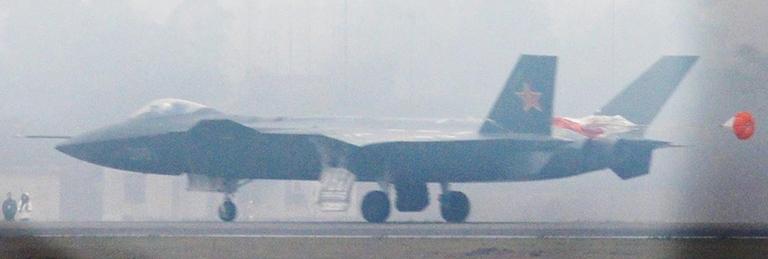 Foros de Internet publican supuestas fotos de segundo avión chino de quinta generación Chengdu-J-XX-VLO-Prototype-9S