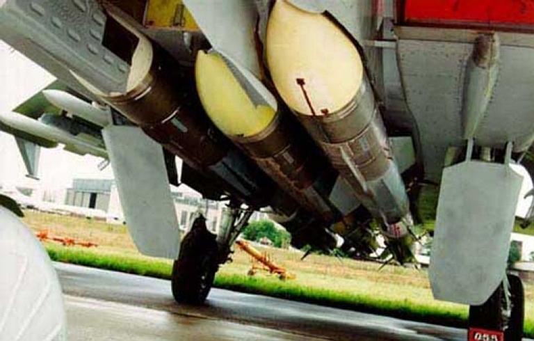 F-15SA VS SU-35  - صفحة 5 000-R-37-Arrow-1S