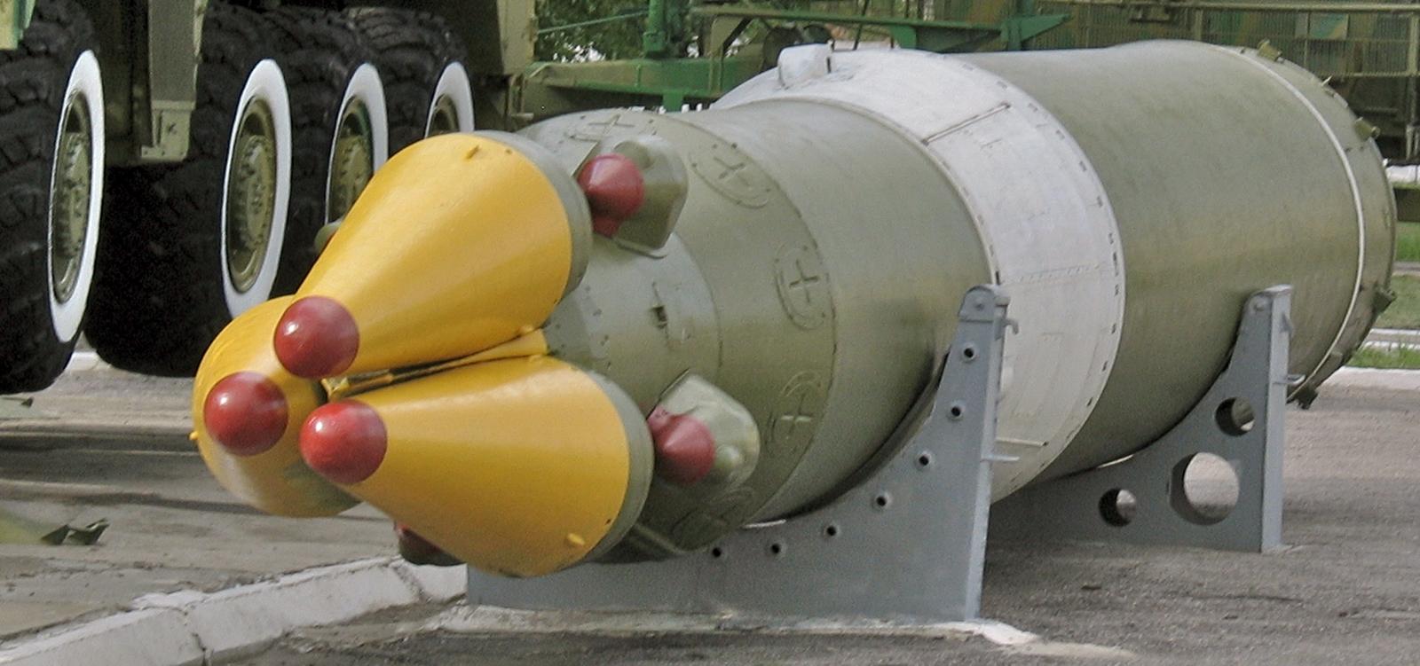 S-500 RSD-10-Pionier-SS-20-Saber-Kapustin-Yar-2011-1