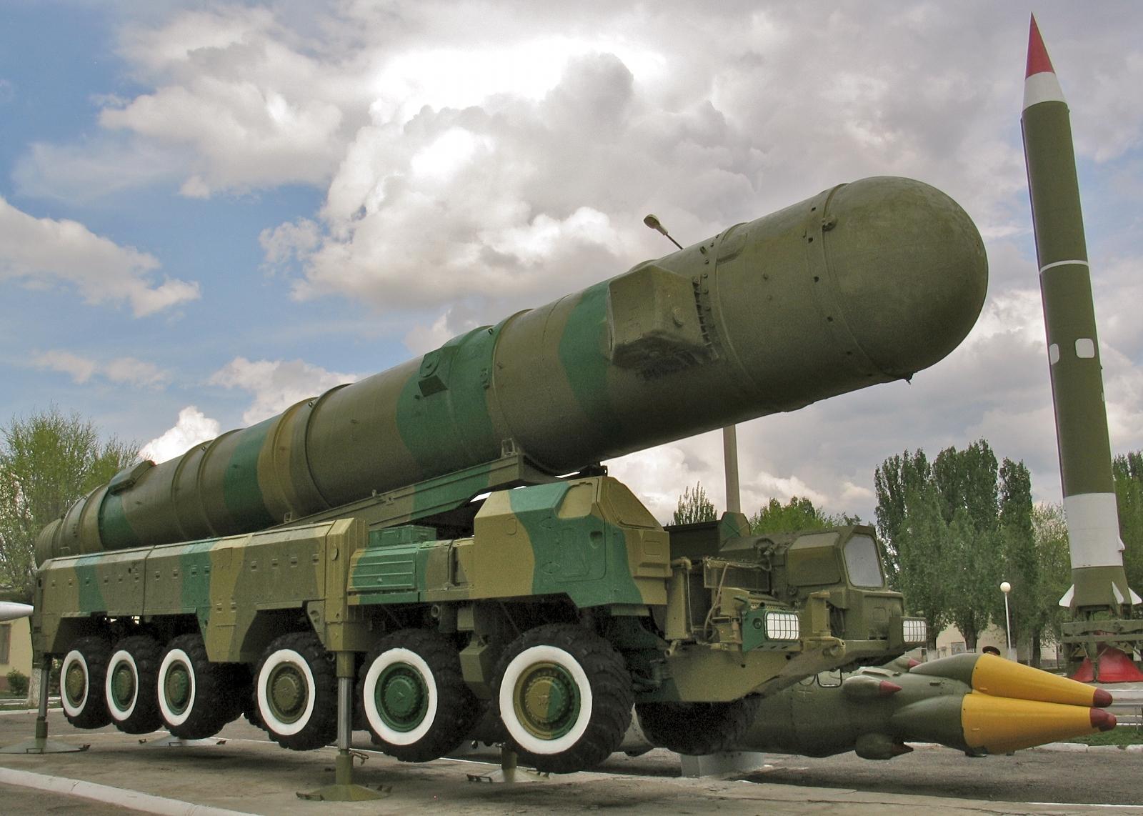 S-500 RSD-10-Pionier-SS-20-Saber-Kapustin-Yar-2011-2