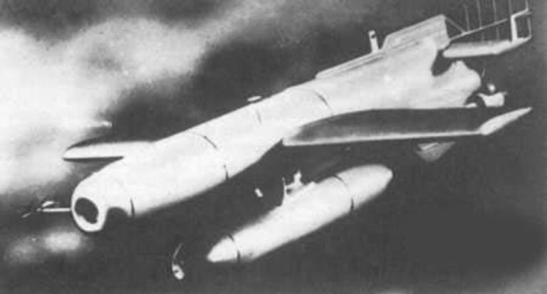 Luftwaffe 46 et autres projets de l'axe à toutes les échelles(Bf 109 G10 erla luft46). Hs-293D-TV-Guided-1